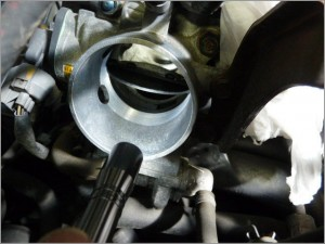 エンジンスロットルボデー汚れ清掃 E/gアイドリ不調及びカブリ修理後